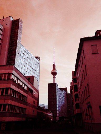 Hirten-/ kleine Alexanderstr. Berlin-Mitte 25 Grad