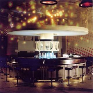 Die alte Bar aus dem Palast der Republik (Erich's Lampenladen) war schon immer Bestandteil jedes wmf Clubs)